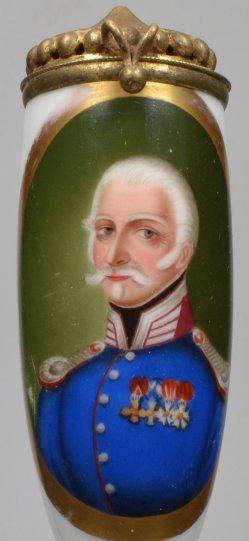 Halbportrait eines Würdenträgers, Porzellanmalerei, Pfeifenkopf, D2032
