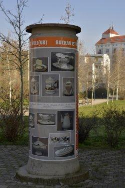 Magdeburg-Buckau 2018, Kultursäule 4, Buckauer Porzellan im Wandel der Zeit