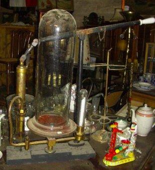 Vakuumpumpe mit vertikalem Zylinder, D0366-2