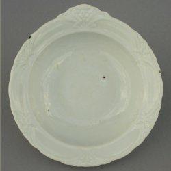 Buckauer Porzellanmanufaktur, Schale mit einer Handhabe um 1905, D0801-049-00