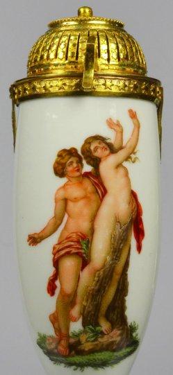 Gian Lorenzo Bernini (1598-1680), Apollo und Daphne, Porzellanmalerei, Pfeifenkopf, D2138