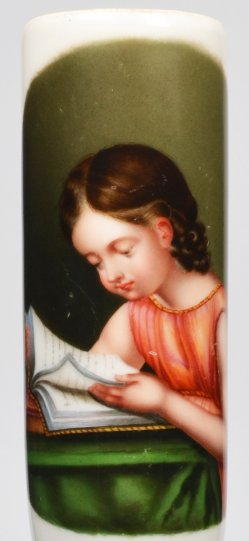 Lesendes Kind, Porzellanmalerei, Pfeifenkopf, D2136