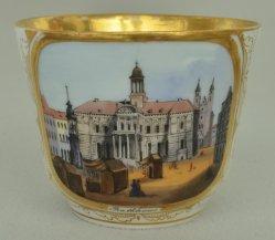 Magdeburg, Rathaus um 1850, Porzellanmalerei, Tasse, D0694
