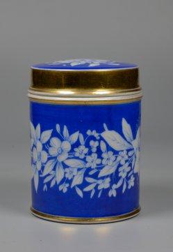 Zylindrische Deckeldose, blau, Blumen radiert, D2285