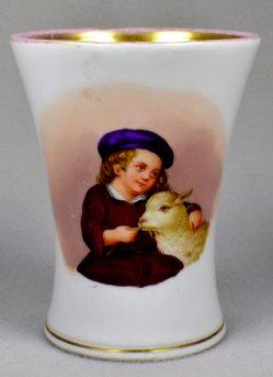 Kind - ein Schaf fütternd, Porzellanmalerei, Becher, D1520D1520-1