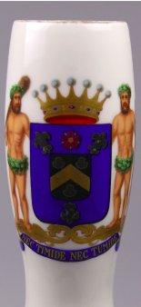 Wappen des Hauses Huysses van Kattendijke, Porzellanmalerei, Pfeifenkopf, D1605