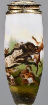 Gustav Georg Endner (1754-1824) Wildschweinjagd, Porzellanmalerei, Pfeifenkopf, D2006  Wohl Nathusius, Althaldensleben 1830-1840  Pfeifenstummel  aus Porzellan, Berliner Form; auf dem beinahe vollständig umfassenden Korpus in feiner Lupenmalerei mit bunte